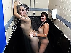 Hot Nikki gets blowed and showered